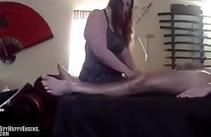 She can'_t resist from sucking his cock during massage - SpyHappyEnding.com